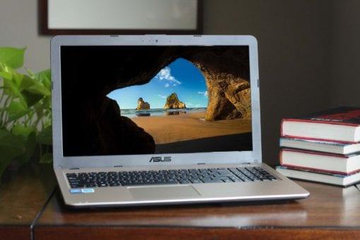 resolute computer laptop display